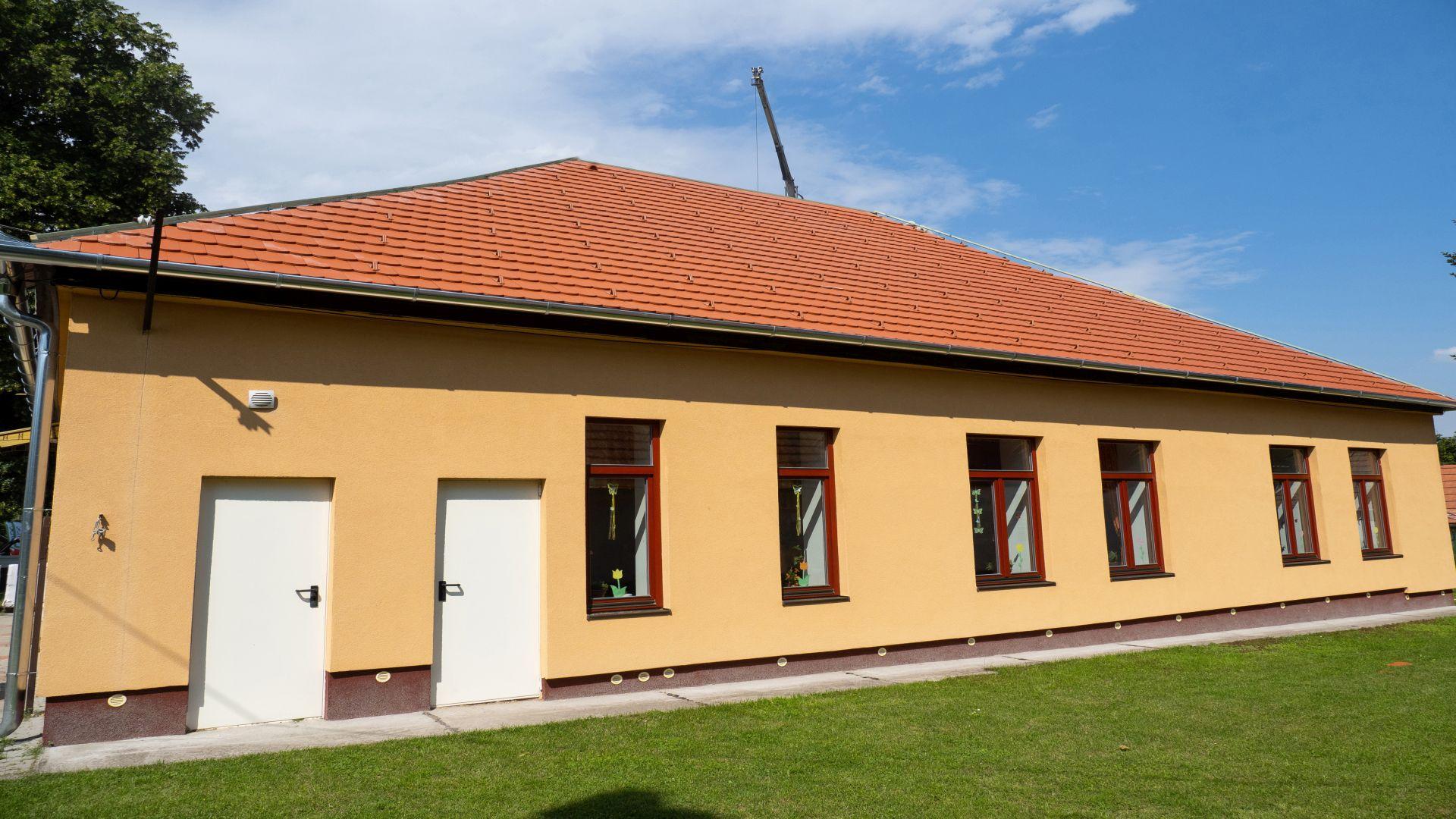 Terrán tetőcseréppel felújított tetőszerkezet