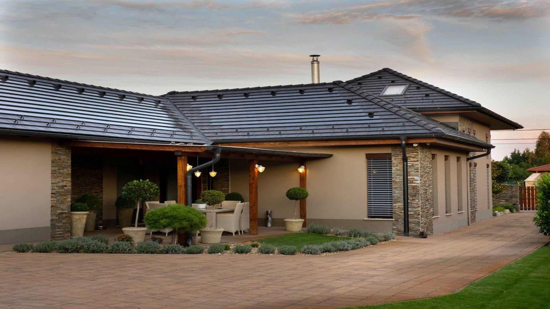 Generon, napelemes tetőcserép