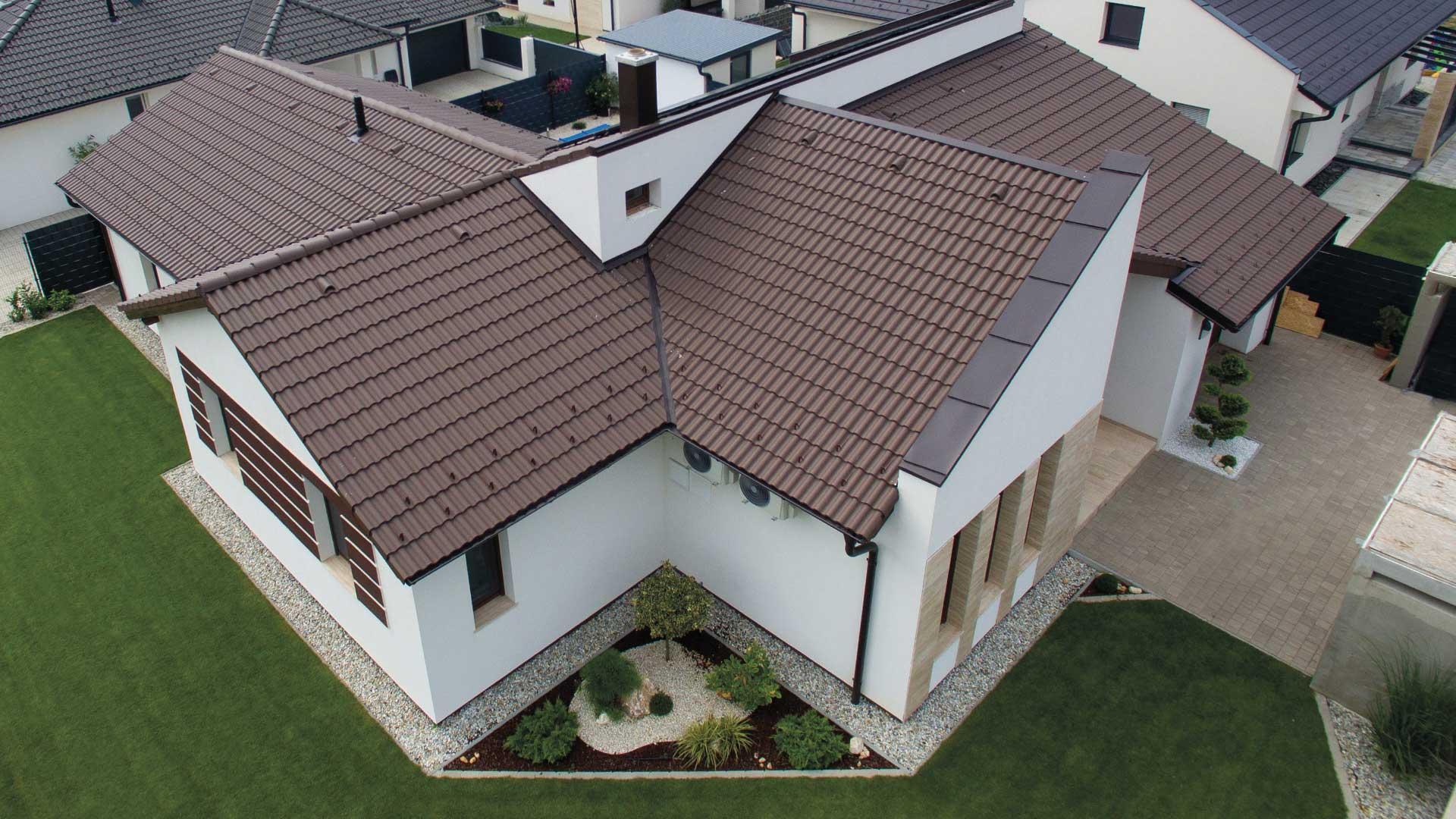 Magasabb dőlésszögű tető építésével csökkenthetőek a költségek